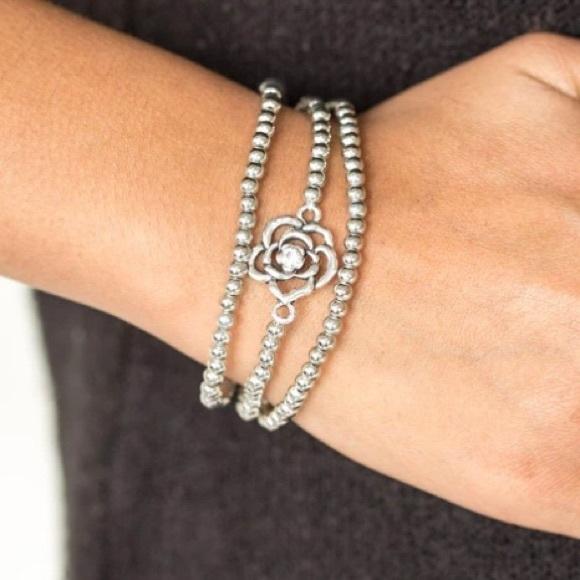 3/$20Paparazzi Bracelet - Perennial Princess